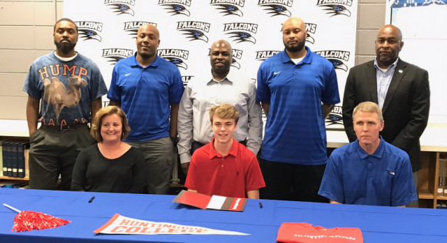 Bryant Reid signs with Huntington College