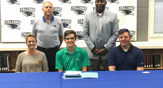 Bay Simpson signs with Arkansas Montecello, makes Substate