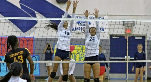 Volleyball to face La Reina in quarterfinals