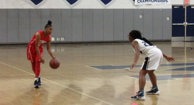 Girls basketball ends season against Leuzinger
