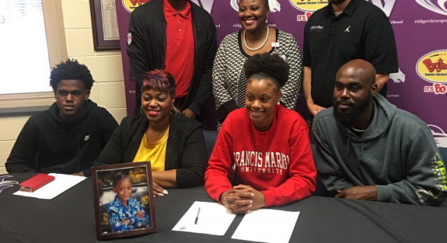 Jayla Bolden Signs With Francis Marion