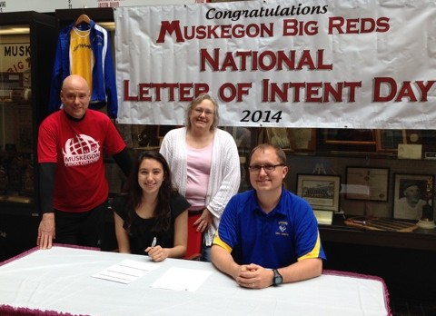 Raquel Zavala Signs With MCC to Run Cross Country!