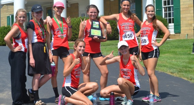 Girls Cross Country Take First at Newark Catholic Invitational, Boys Finish 10th