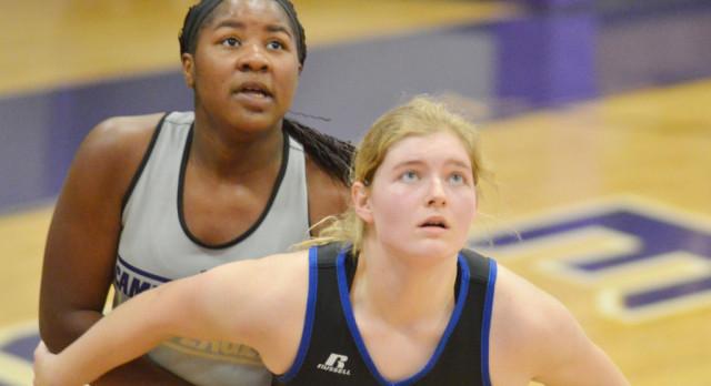 CHS girls' basketball team begins season