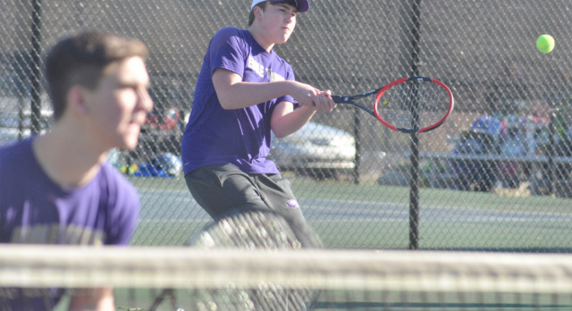 CHS tennis teams take on North Hardin