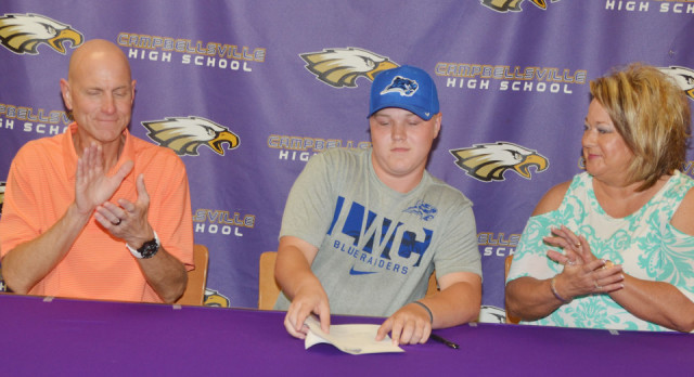 CHS golf player signs with LWC