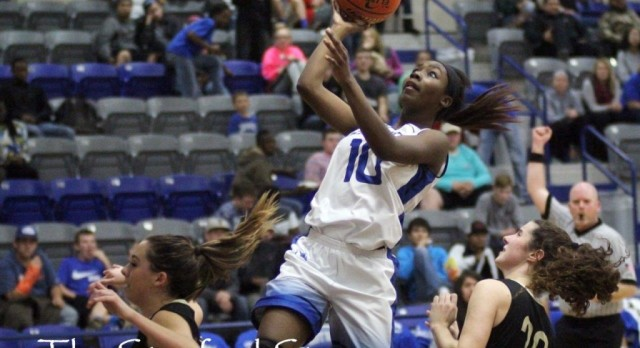 Lady Bulldogs Close Out First Round of District Play in Shootout