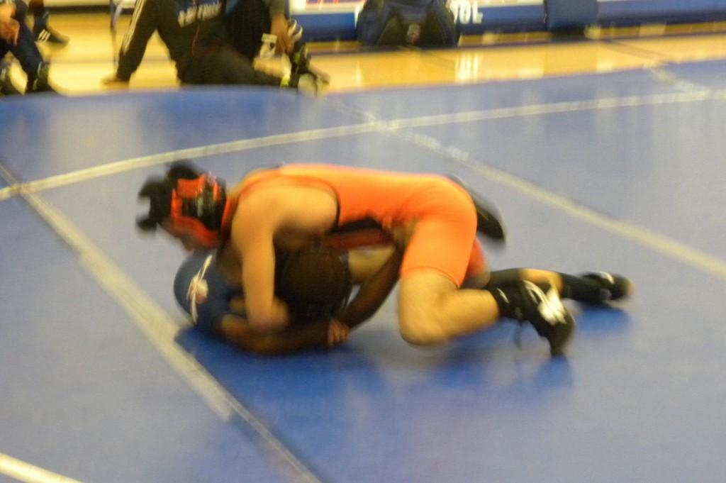 Washington Le has a 21-2 wrestling record this season.