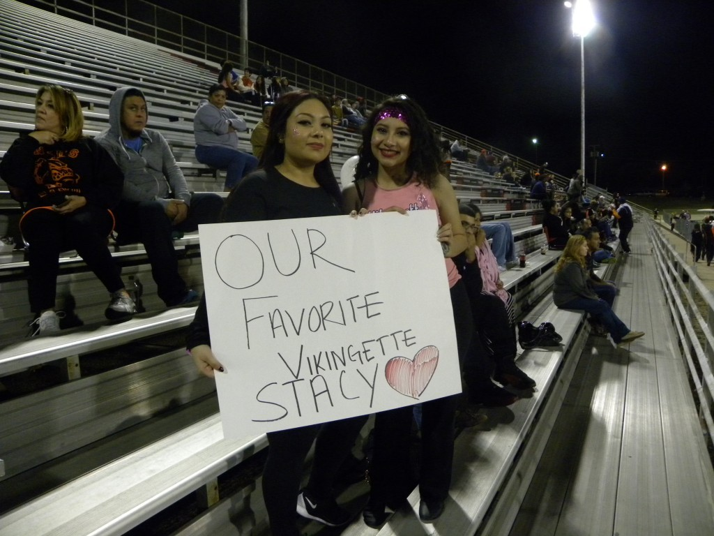 Yareli Dorantes shows her support for her sister Stacy Dorantes at the game.