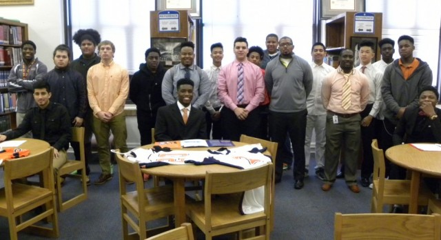 North Dallas High seniors sign letters of intent