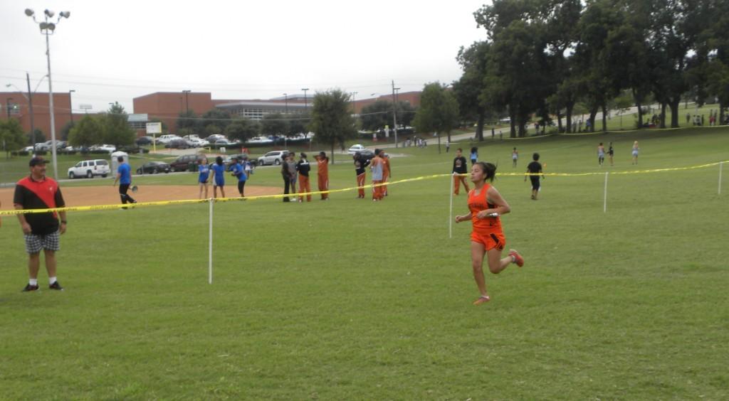 Fatima Rincon nears the finish line.