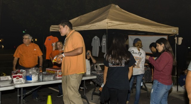 Senior Class holds tailgate party at Franklin Field