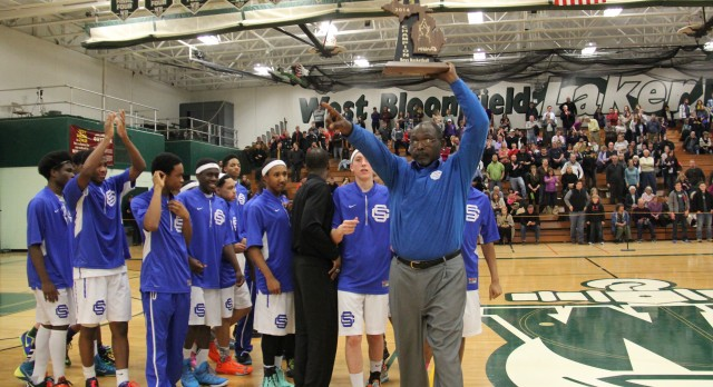 Eagles Hoops Coach Earns Coach of the Year Honors