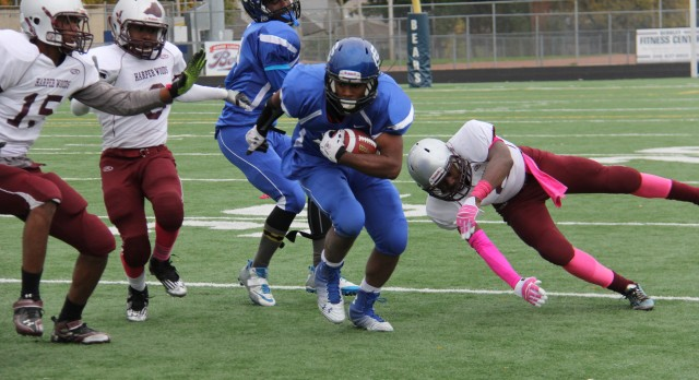 Southfield Christian High School Varsity Football beat Pioneers 12-8