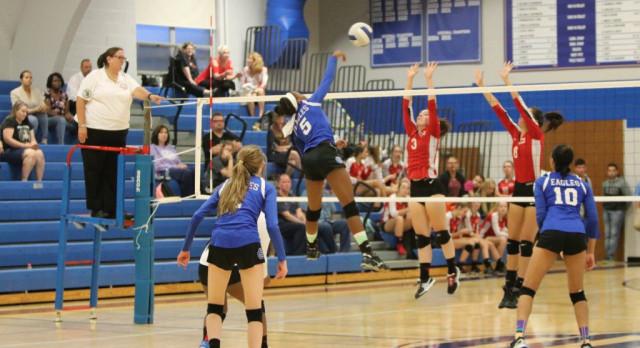 Southfield Christian High School Girls Varsity Volleyball beat Lutheran Northwest 3-0