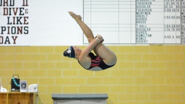 Red Dogs Diver, Hallie Roman, Headed To States!