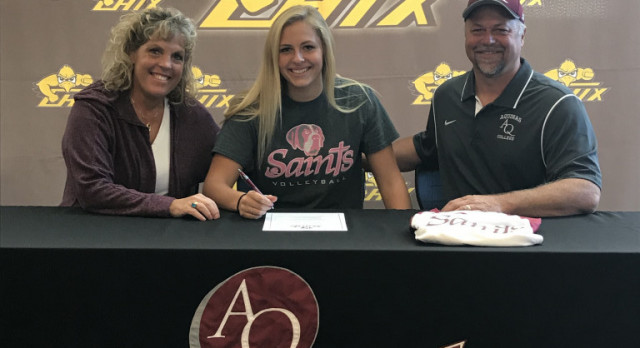 Jenna Signs with Aquinas College!