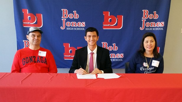 Vincent Rettke signs tennis scholarship with Gonzaga University