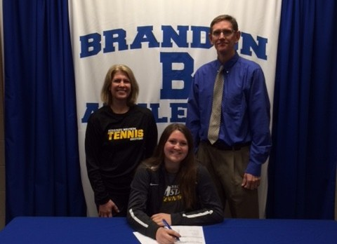 Brandon Senior Katie Yeacker signs with Missouri Western State University!