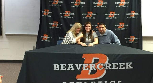 Senior Kayla Dinsmore Signs to Bethany College!