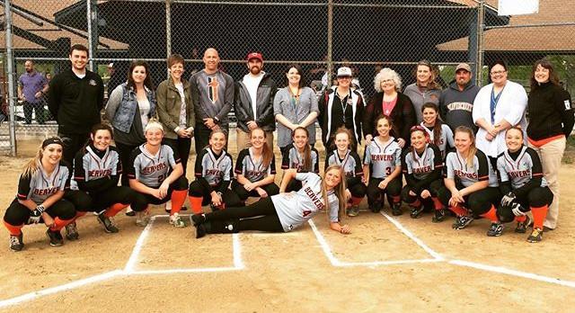 Softball Celebrates Teacher Appreciation Night!