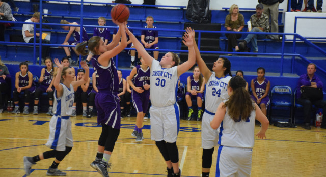 Junior High Girls Suffer Close Loss to Calumet