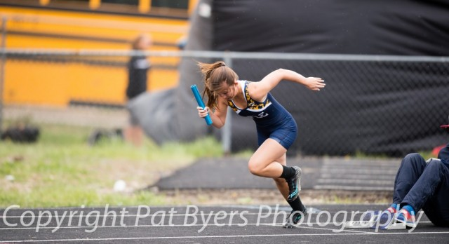 Girls Golf and Girls Track Teams Qualify for Academic All-State Award
