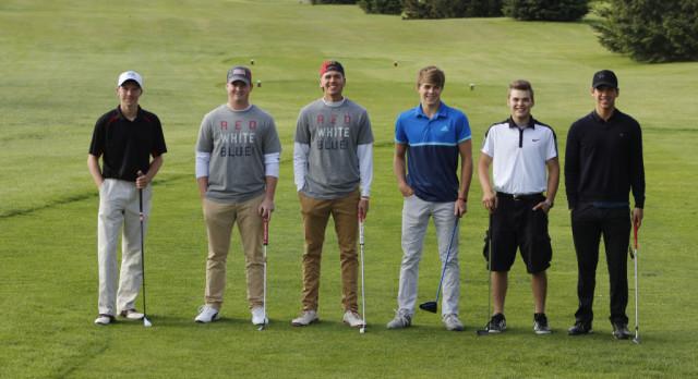 Boys Golf takes Second