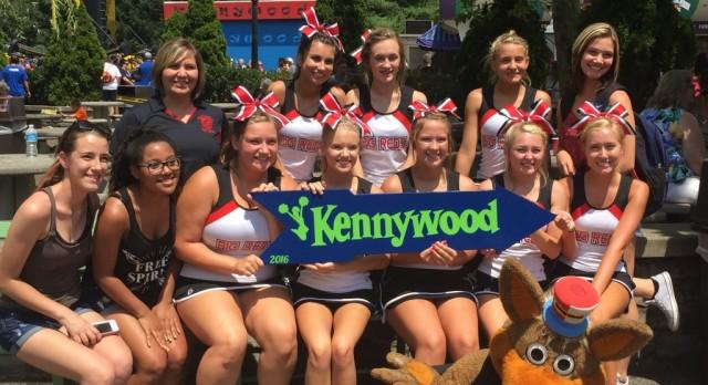 Cheerleaders Win at Kennywood