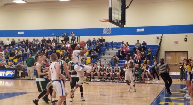 Boys Basketball Makes Quick Work of Cloverleaf