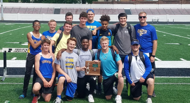 Boys Track Finishes as District Runner-Up; Nine Comets Qualify to Regionals