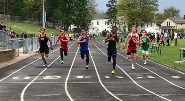Boys Track finishes 7th at Wildcat Invitational