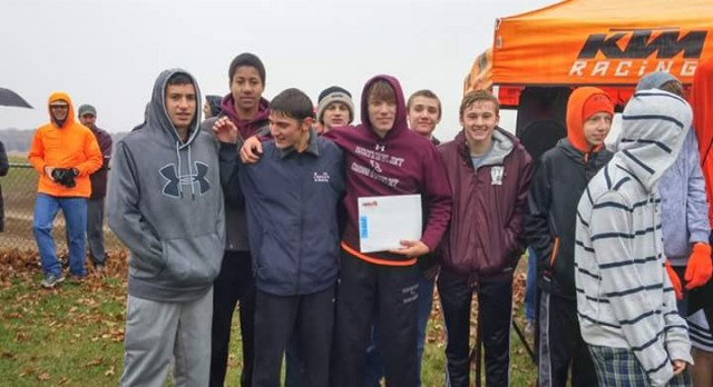 Watervliet High School Boys Varsity Cross Country finishes 2nd place