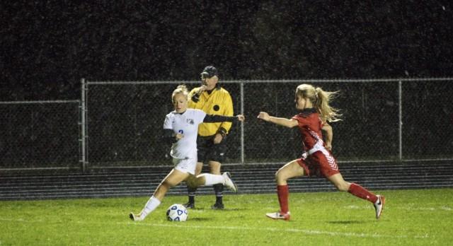 Girls soccer ends regular season on an unbeaten streak!