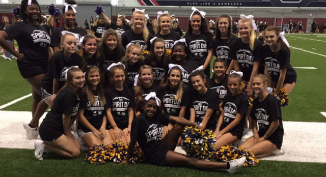 Cheer Performs at USC Spirit Day