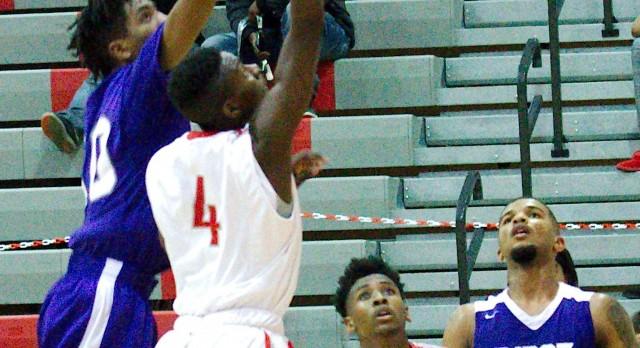 Boys Basketball Advance to 2nd Round Playoffs