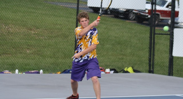 HS Boys' Tennis Finishes in 2nd at Musketeer Invitational