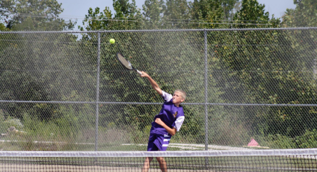 Boys Tennis Team Defeats Salem