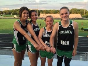 girls track 4x100