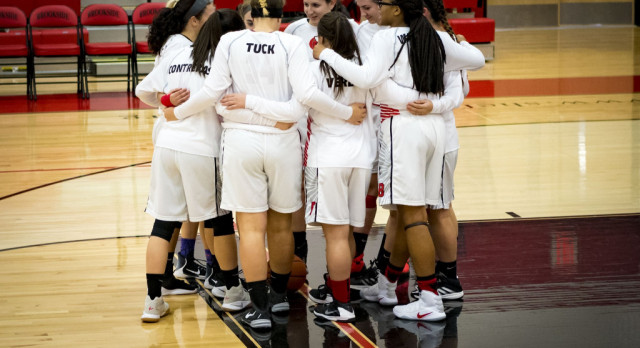 Lady Cards Sink Pirates