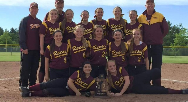 Girls Softball moves on to Regionals at Reese High School