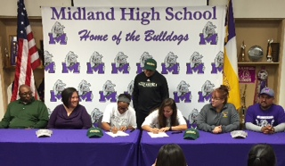 MHS Softball Signings