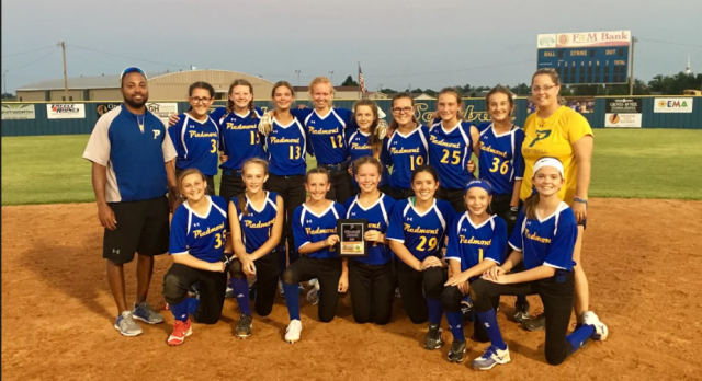 Middle School Softball Places Second at Windmill Classic