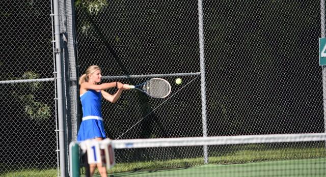 Blue Springs South Girls Varsity Tennis beat Blue Springs 6-3