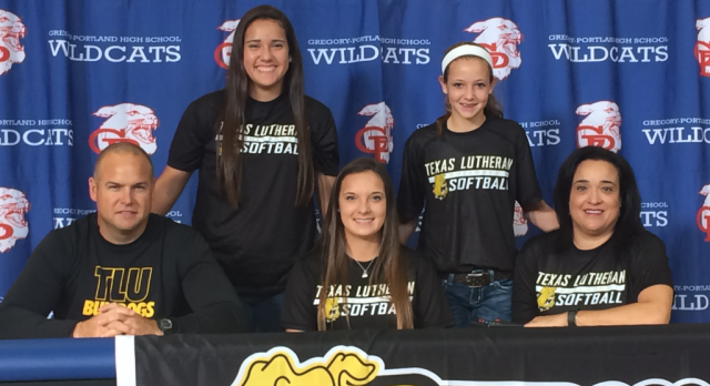 Skylar Ouellette Signs with TLU