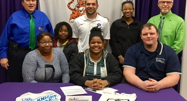 """Nailah """"Ray-Ray"""" Ray Commits to Olney Central College"""