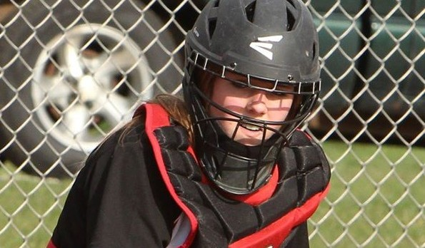 Girard High School Varsity Softball beat Hubbard High School 5-1