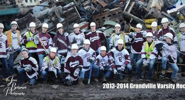 Grandville Hockey beat Jenison 5-4 in District Finals