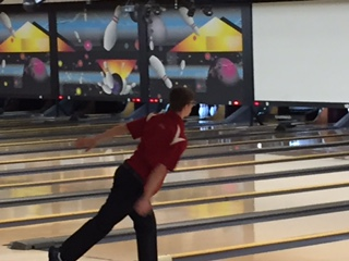 Bowlers Finish Season at Regionals