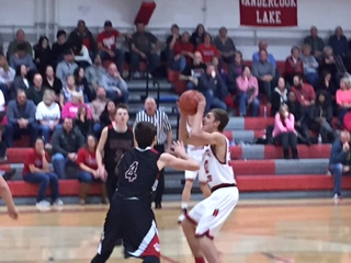 Comets Pull Away Late